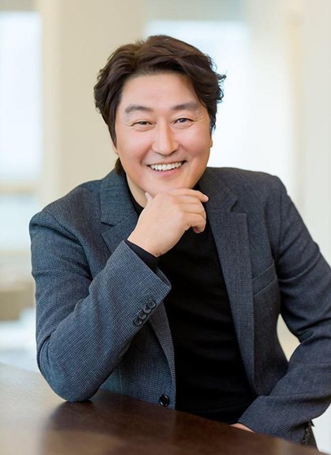 10 sự thật ít ai biết về Quả cầu vàng xứ Hàn Baeksang: Kim Soo Hyun lập kỉ lục nhưng vẫn kém xa đàn anh Lee Byung Hun ở một khoản - ảnh 7