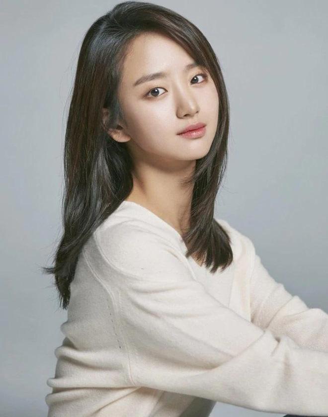 Trai đẹp Extraordinary You xác nhận cặp kè tình cũ Ji Chang Wook ở phim mới, nghe đã thấy mùi xịt ngóm? - ảnh 2