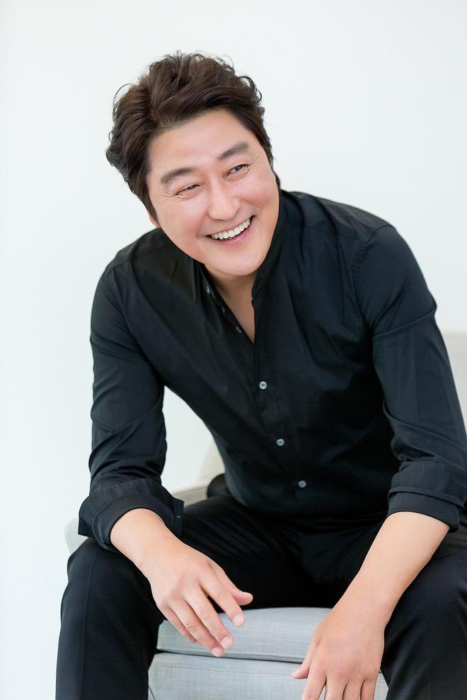10 sự thật ít ai biết về Quả cầu vàng xứ Hàn Baeksang: Kim Soo Hyun lập kỉ lục nhưng vẫn kém xa đàn anh Lee Byung Hun ở một khoản - ảnh 8