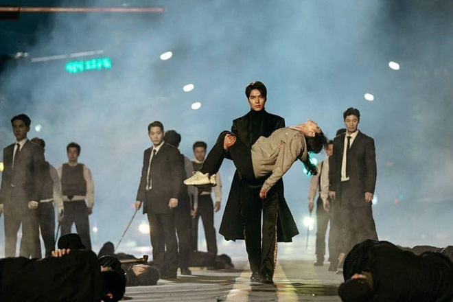 Fan tinh ý bóc phốt Lee Min Ho chưa từng đóng vai khổ, trong khi Ji Chang Wook thì nghèo có thâm niên? - ảnh 1