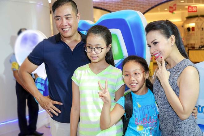 Các con của Cẩm Ly: Học trường nửa tỷ, ở biệt thự 1 triệu USD, từ nhỏ đã được bà mẹ nổi tiếng kèm cặp sát sao như này - Ảnh 2.