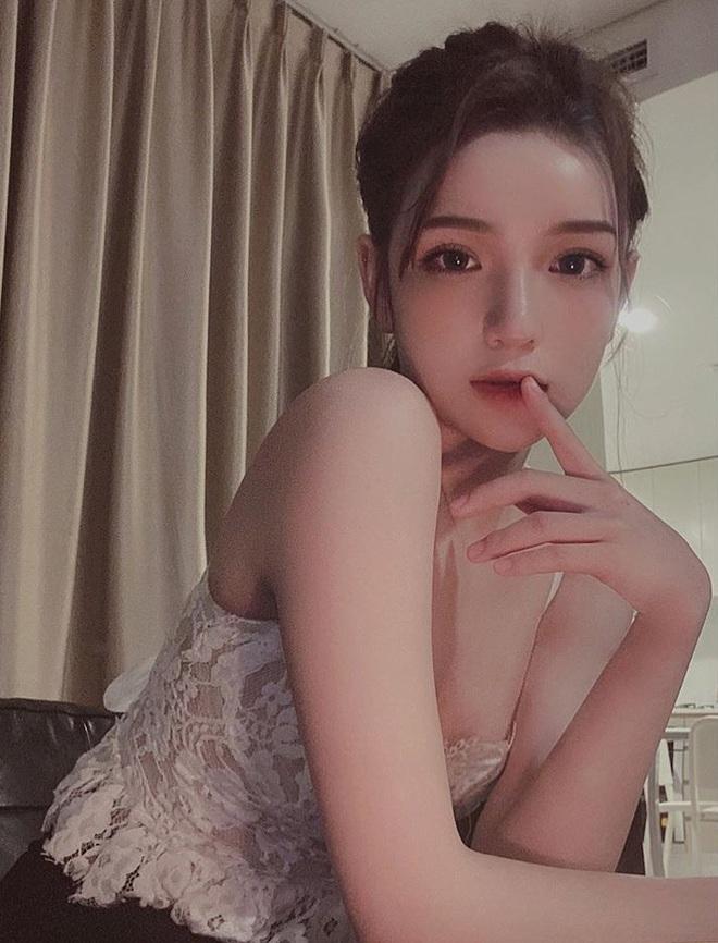 Bạn gái thiếu gia Phan Hoàng là minh chứng cho thấy con gái cứ phải có da có thịt một chút mới xinh - ảnh 1