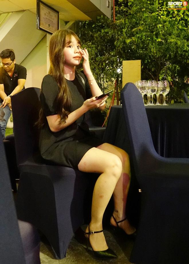 Quang Hải và Huỳnh Anh liên tục lạc mất nhau khi tham dự sự kiện ở Sài Gòn - ảnh 4
