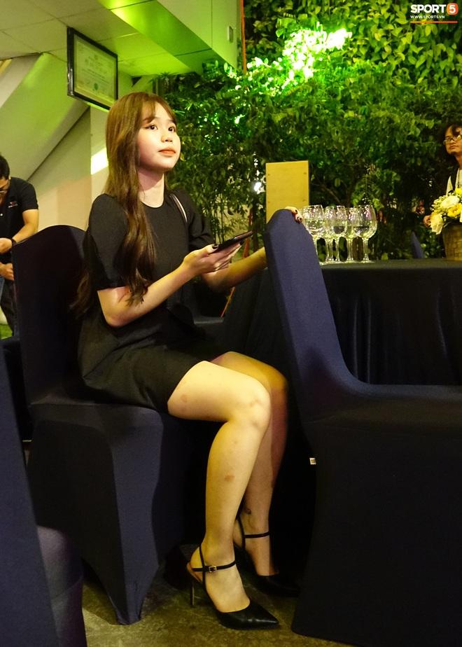 Quang Hải và Huỳnh Anh liên tục lạc mất nhau khi tham dự sự kiện ở Sài Gòn - ảnh 3