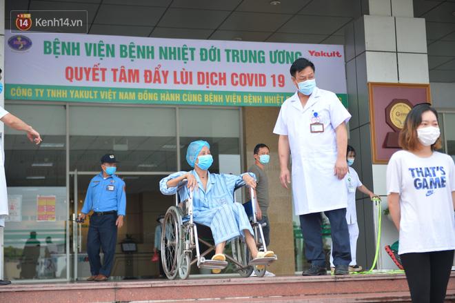 Giám đốc Bệnh viện Bệnh Nhiệt đới Trung ương: Bệnh nhân 19 nhiều lần dọa tử vong - ảnh 1