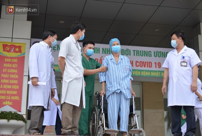 Giám đốc Bệnh viện Bệnh Nhiệt đới Trung ương: Bệnh nhân 19 nhiều lần dọa tử vong - ảnh 2