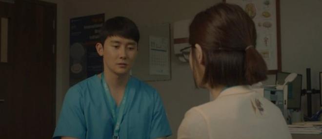 Knet phẫn nộ vì vệ tinh nữ chính Hospital Playlist tập cuối: Đúng là gánh nặng, giống như kẻ bám đuôi vậy? - ảnh 3