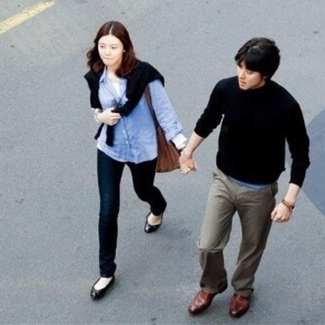 Soi loạt nguyên nhân khiến gã sát gái Lee Dong Gun ly hôn: Liên quan đến Jiyeon (T-ara), chồng thế nào mà làm vợ òa khóc? - ảnh 10