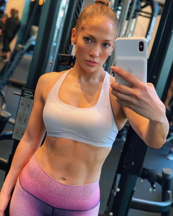 Bước sang tuổi 51, Jennifer Lopez vẫn có được cơ bụng số 11 nhờ vào 3 thói quen này - ảnh 7