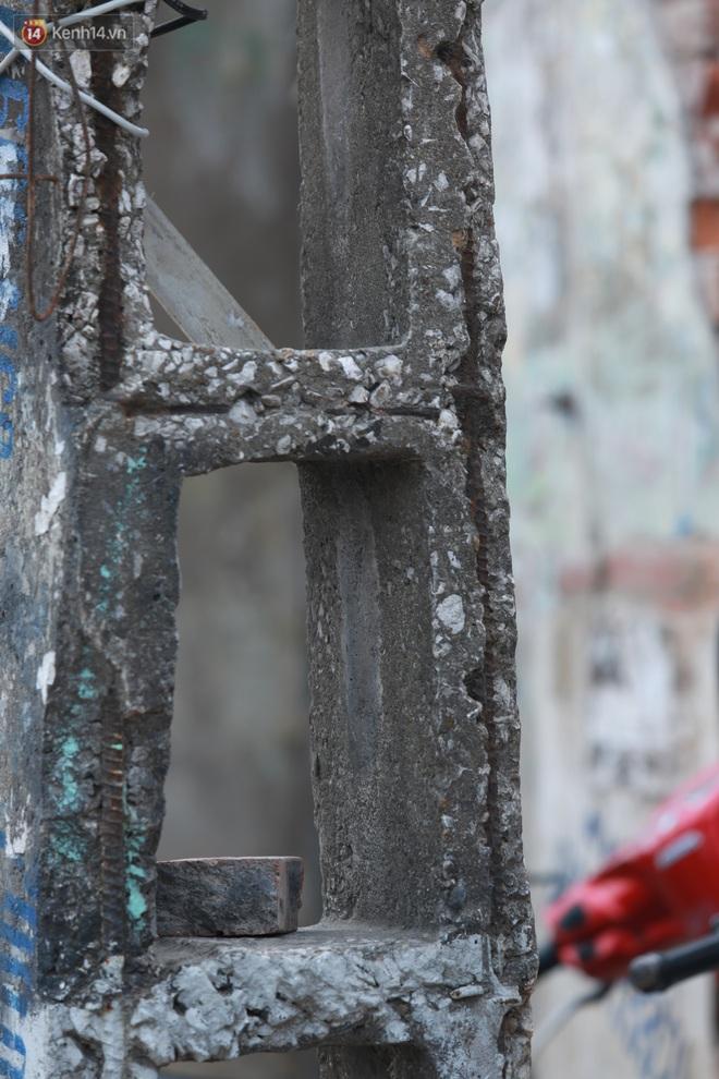 Ảnh: Cận cảnh tuyến phố mạng nhện tử thần khiến người đi đường thót tim ở Hà Nội - ảnh 9