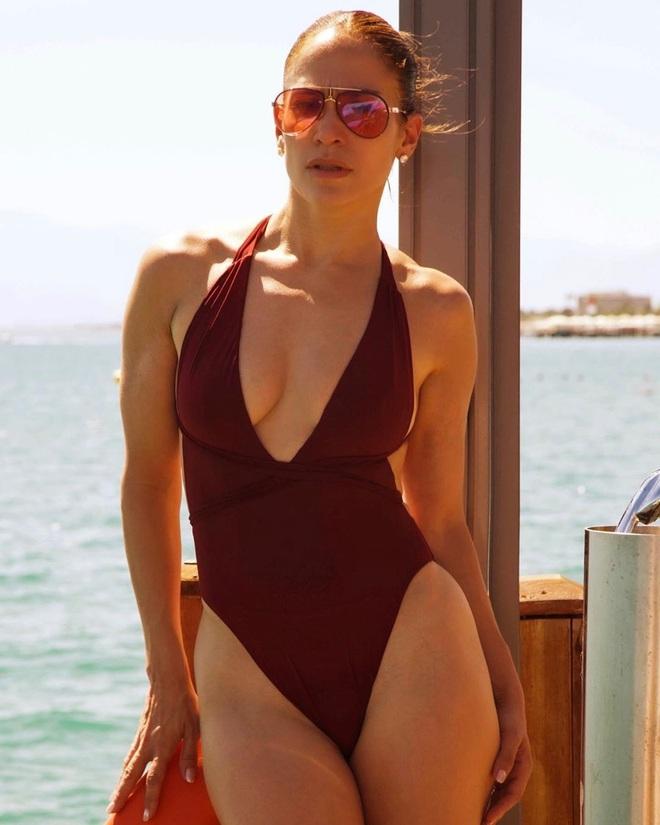 Bước sang tuổi 51, Jennifer Lopez vẫn có được cơ bụng số 11 nhờ vào 3 thói quen này - ảnh 8