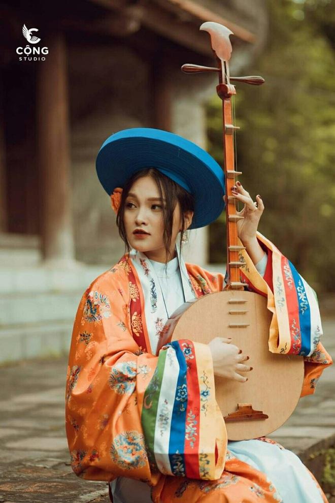 Đầu tư gần 1 năm, lớp toàn gái xinh chơi lớn thuê hẳn 28 bộ cổ trang từ NTK trong MV của Hòa Minzy để chụp kỷ yếu, soi kinh phí ai cũng giật mình - ảnh 9