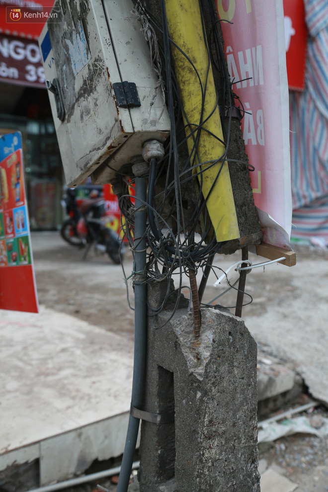 Ảnh: Cận cảnh tuyến phố mạng nhện tử thần khiến người đi đường thót tim ở Hà Nội - ảnh 19