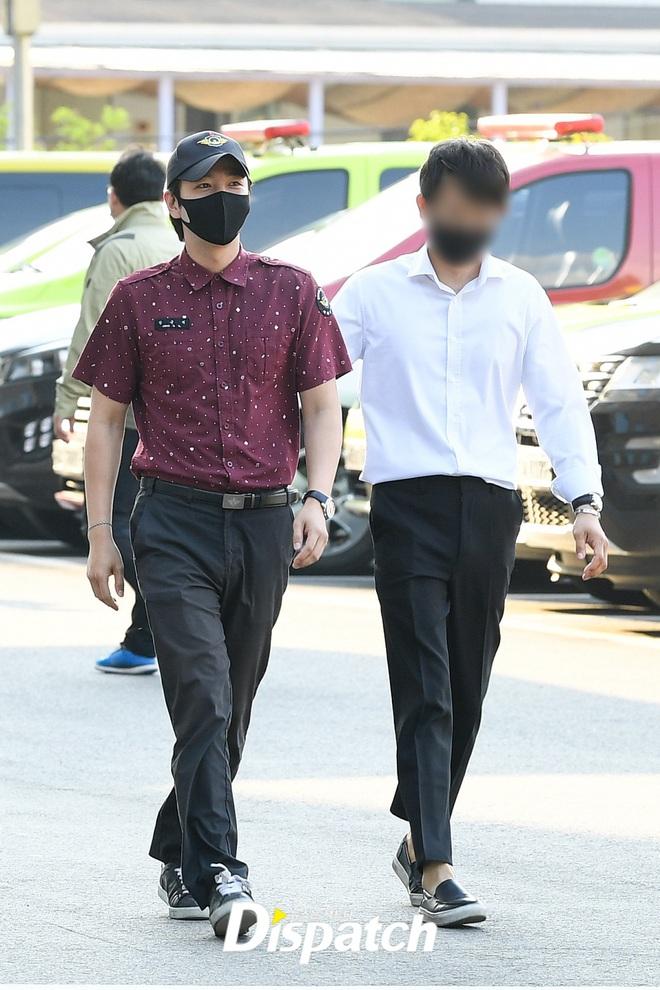 Jang Geun Suk chính thức xuất ngũ sau 2 năm: Ai ngờ lột xác thon gọn, cực bảnh sau màn tăng cân khiến cả Kbiz sốc nặng - ảnh 1