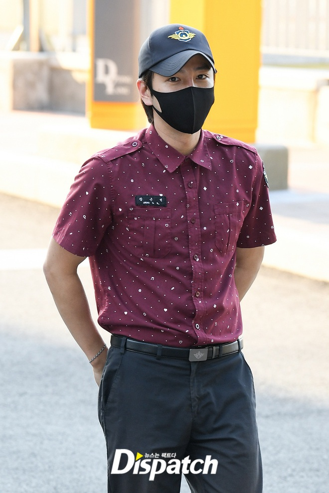 Jang Geun Suk chính thức xuất ngũ sau 2 năm: Ai ngờ lột xác thon gọn, cực bảnh sau màn tăng cân khiến cả Kbiz sốc nặng - ảnh 7
