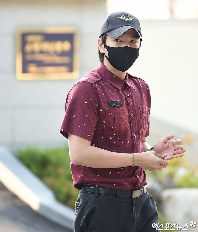 Jang Geun Suk chính thức xuất ngũ sau 2 năm: Ai ngờ lột xác thon gọn, cực bảnh sau màn tăng cân khiến cả Kbiz sốc nặng - ảnh 6