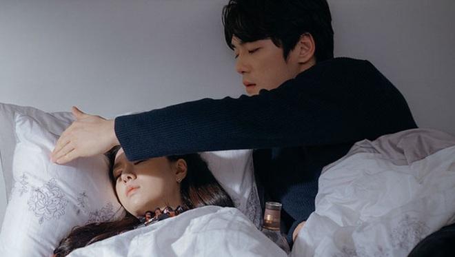 Seo Ji Hye tái hiện cảnh xé vé cực hot của thánh lừa đảo ở Crash Landing on You, chờ gì mà không đẩy thuyền? - ảnh 12