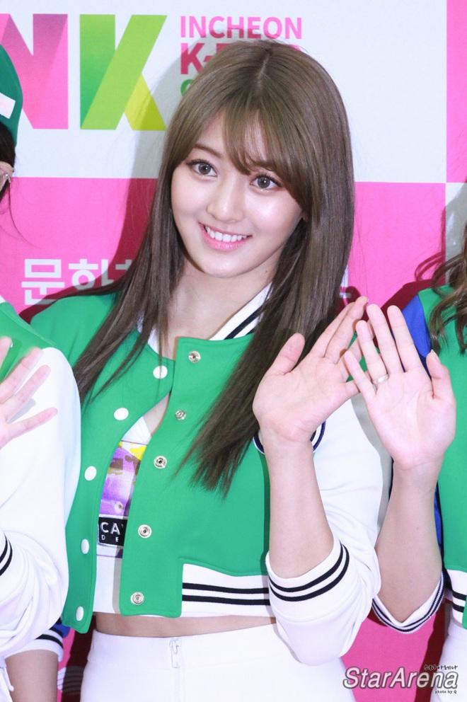 Nghịch lý thành viên Twice: Lúc da trắng bóc kiểu Hàn thì chẳng ai ngó ngàng, khi da ngăm lệch chuẩn lại phất hẳn - ảnh 1