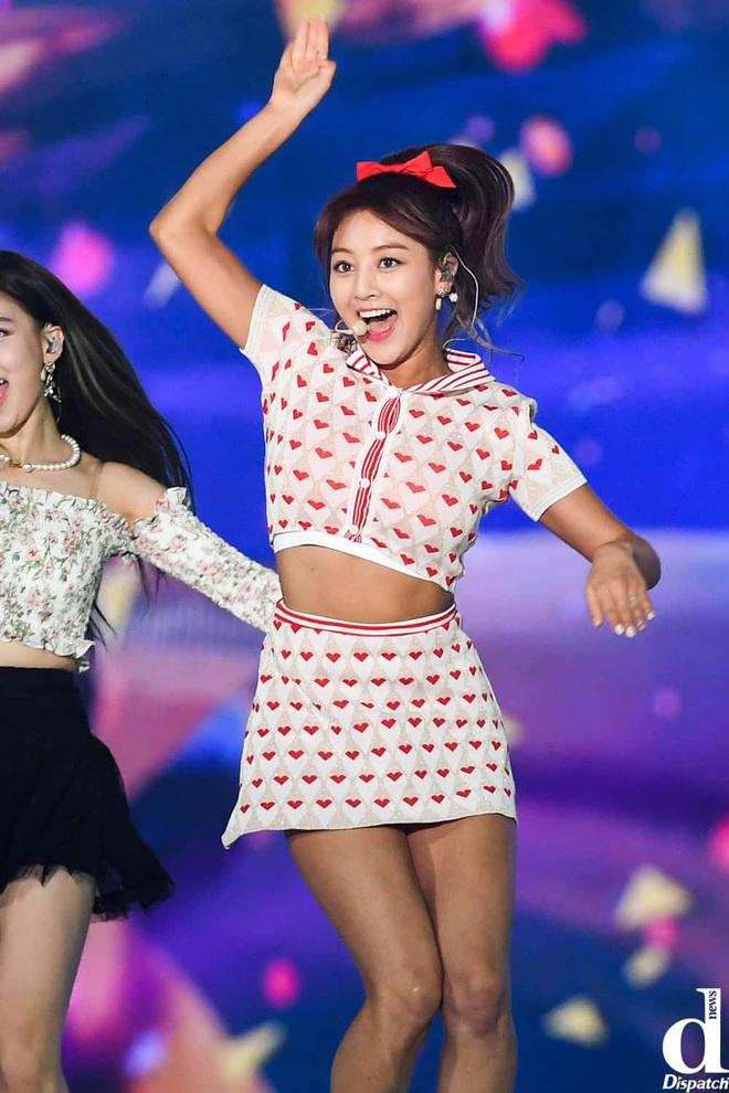Nghịch lý thành viên Twice: Lúc da trắng bóc kiểu Hàn thì chẳng ai ngó ngàng, khi da ngăm lệch chuẩn lại phất hẳn - ảnh 8
