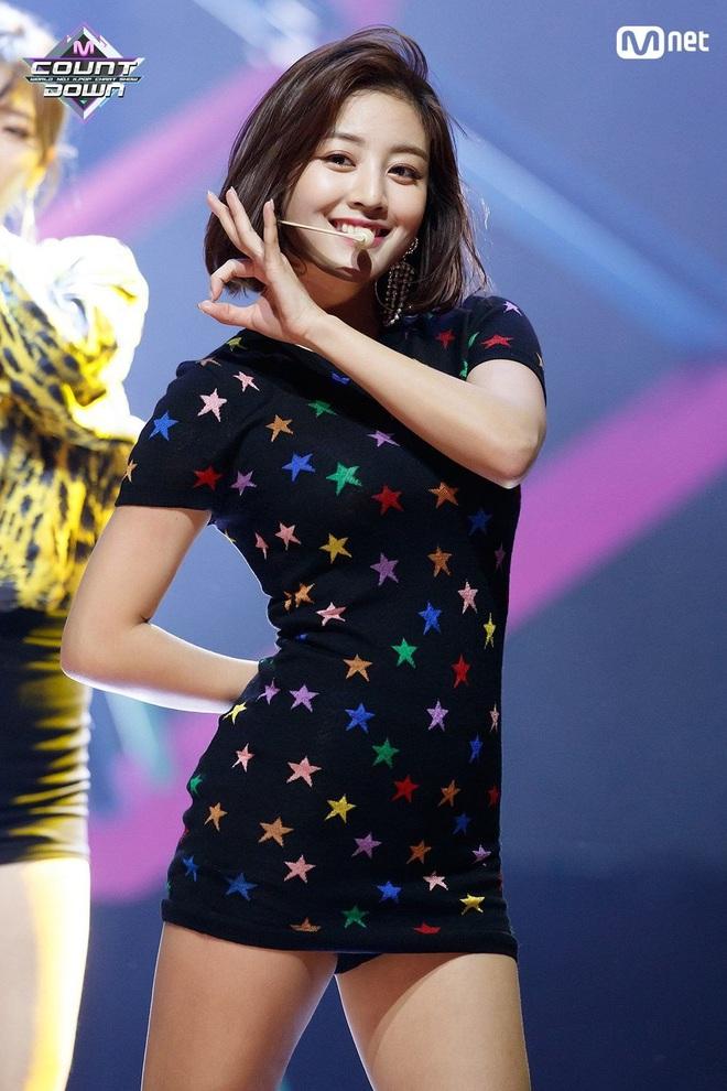 Nghịch lý thành viên Twice: Lúc da trắng bóc kiểu Hàn thì chẳng ai ngó ngàng, khi da ngăm lệch chuẩn lại phất hẳn - ảnh 10