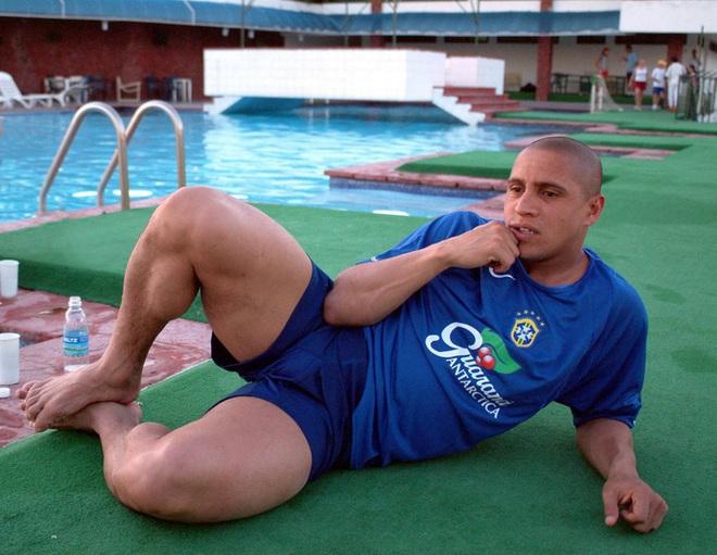 Những siêu sao có cặp đùi gây choáng nhất làng bóng đá: Ronaldo sở hữu đôi chân cực khủng với đầy những múi cơ nhưng vẫn phải xếp sau một người - ảnh 3