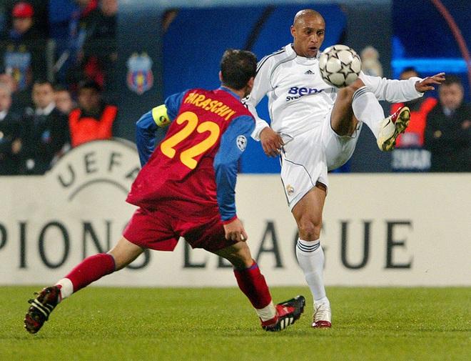 Những siêu sao có cặp đùi gây choáng nhất làng bóng đá: Ronaldo sở hữu đôi chân cực khủng với đầy những múi cơ nhưng vẫn phải xếp sau một người - ảnh 4