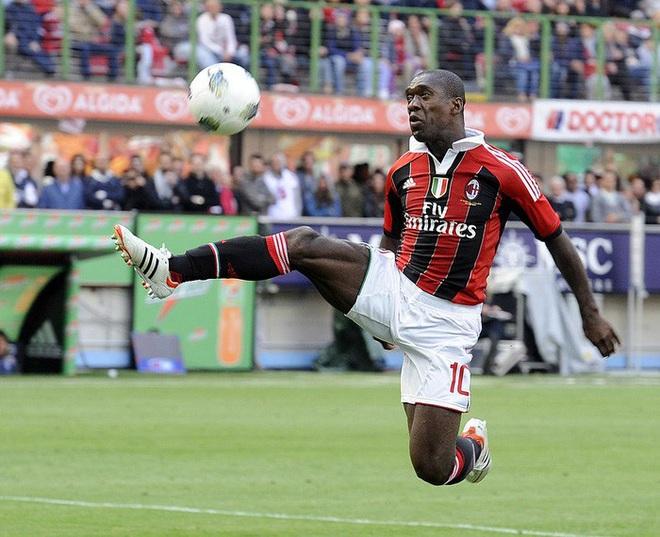 Những siêu sao có cặp đùi gây choáng nhất làng bóng đá: Ronaldo sở hữu đôi chân cực khủng với đầy những múi cơ nhưng vẫn phải xếp sau một người - ảnh 6