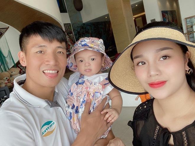 Loạt khoảnh khắc giống bố như lột của con gái Bùi Tiến Dũng, Khánh Linh đã nhập hội đẻ thuê rồi - ảnh 7