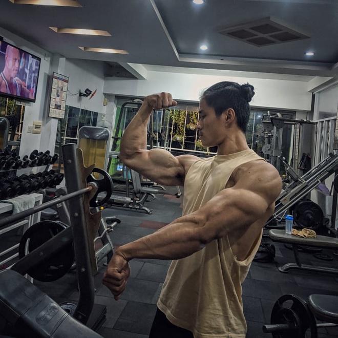 Thanh niên da bọc xương lột xác thành trai cơ bắp nhờ tăng 20kg trong một năm: Còn ai đòi gầy để đẹp nữa không? - ảnh 4