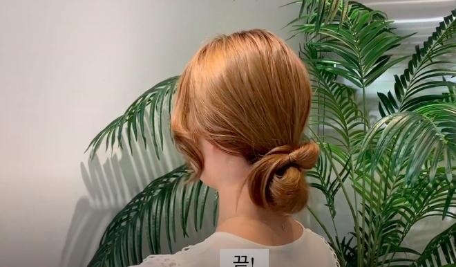 3 kiểu tóc búi thấp gái Hàn diện nguyên hè: Mát lịm mà vẫn cực sang, chưa mất 1 phút đã xong ngay - ảnh 13