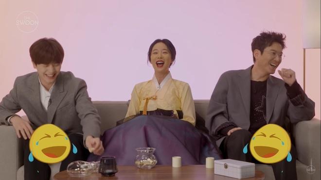 Dàn sao Mystic Pop-up Bar bật mí 1001 bí mật: Hwang Jung Eum là con gái Long Vương, Yook Sung Jae sâu sắc dữ thần - ảnh 7