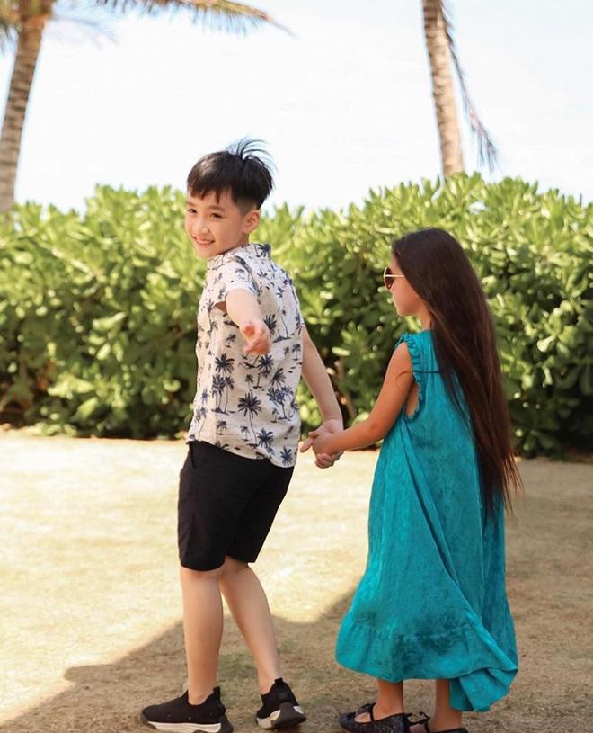 """Thu Trang tung loạt ảnh new couple"""" cực tình của quý tử và con gái Đoan Trang: Chờ gì mà không """"đẩy thuyền"""" nè cô chú ơi! - ảnh 4"""