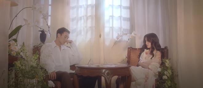Bích Phương khoe body nóng bỏng, đóng cảnh nóng với nam diễn viên người Hàn trong Một Cú Lừa, cái kết khiến khán giả thót tim! - ảnh 14
