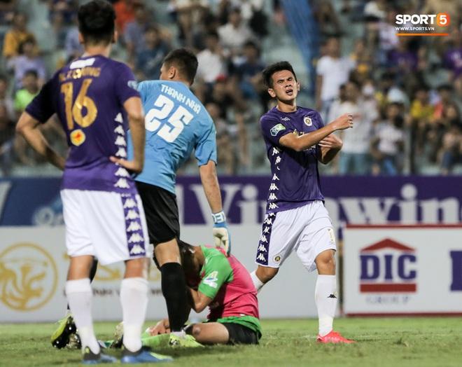 Trung vệ U23 Việt Nam đá bay bàn thắng ở khoảng cách 3m, sửa sai bằng cú dứt điểm đầy tinh tế - ảnh 4