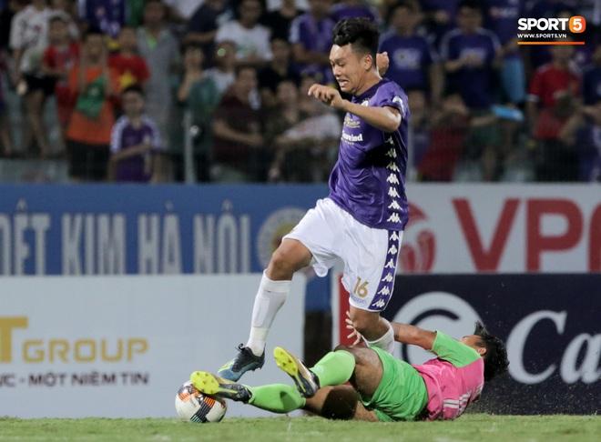 Trung vệ U23 Việt Nam đá bay bàn thắng ở khoảng cách 3m, sửa sai bằng cú dứt điểm đầy tinh tế - ảnh 9