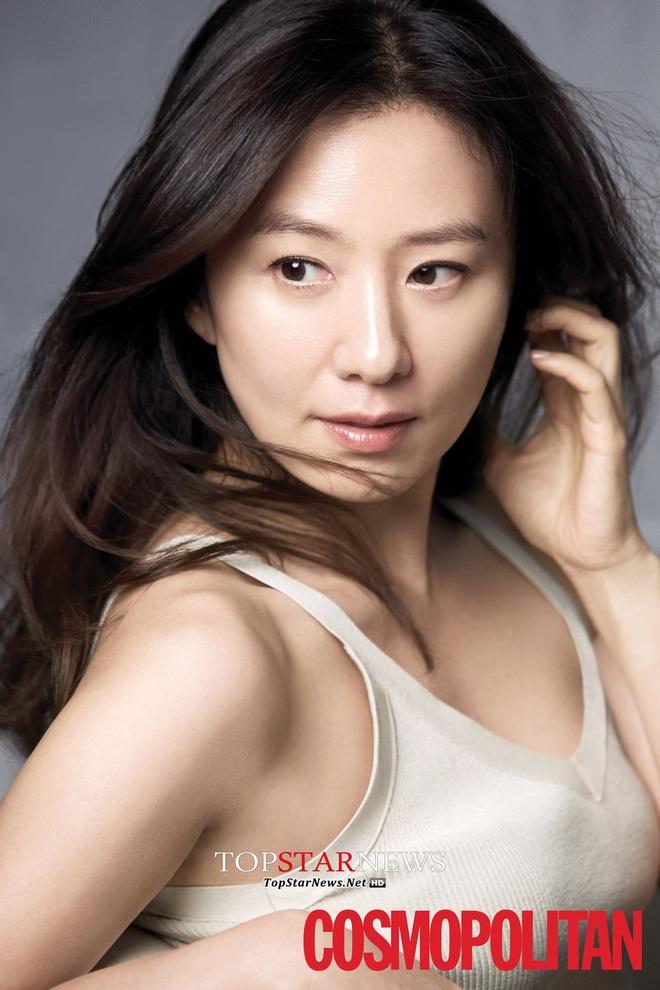 30 diễn viên Hàn hot nhất hiện nay: Dàn cast Thế Giới Hôn Nhân thầu top 3, Lee Min Ho có thua 2 tài tử Hospital Playlist? - ảnh 1