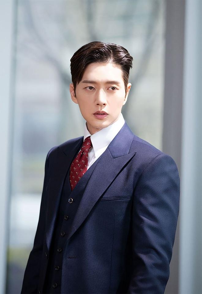 30 diễn viên Hàn hot nhất hiện nay: Dàn cast Thế Giới Hôn Nhân thầu top 3, Lee Min Ho có thua 2 tài tử Hospital Playlist? - ảnh 10