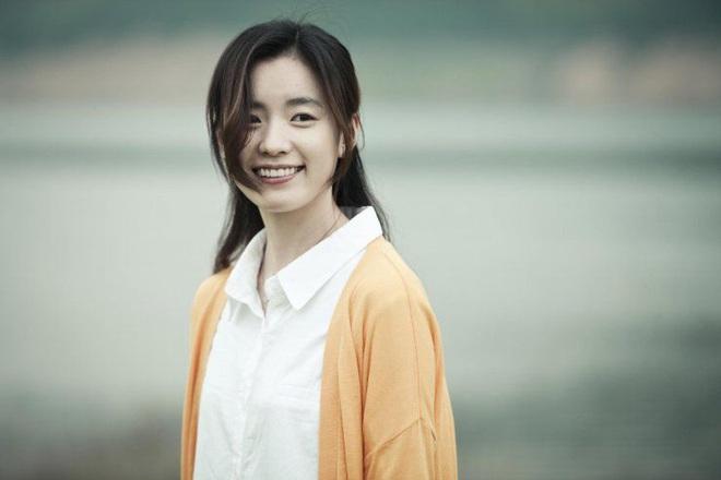 """Sự nghiệp 4 sao điện ảnh bị """"sờ gáy"""" ở scandal trốn thuế: Đời tư sạch như Kim Tae Hee cũng đến lúc phải chao đảo - Ảnh 2."""