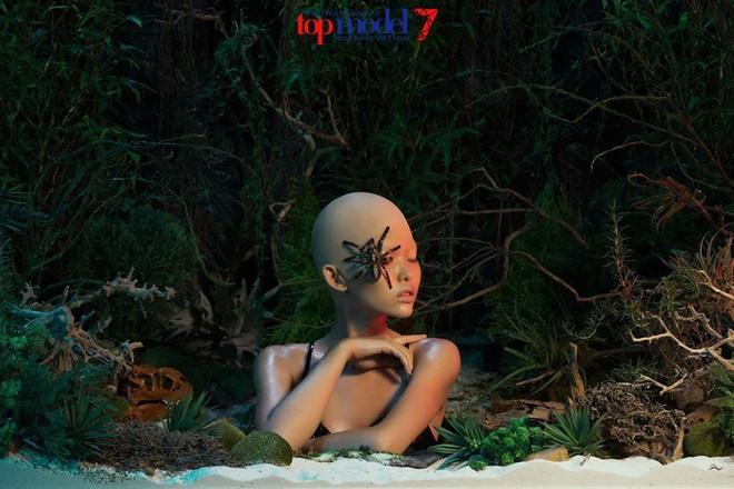 Chân dung Tuesday khiến Bích Phương bị ăn một cú lừa: Hóa ra là người quen từ Vietnam's Next Top Model! - ảnh 10