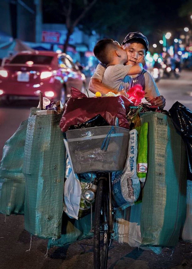 Cổ tích giữa đời thường: Những em bé thay đổi cuộc đời nhờ phép màu lòng tốt của cộng đồng - Ảnh 3.