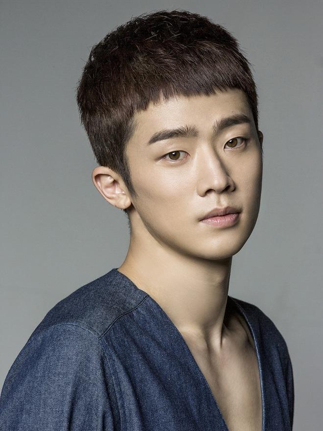 """Web drama đam mỹ đầu tiên của Hàn Quốc sốt xình xịch vì cặp đôi """"cậu chủ - vệ sĩ"""" quá tình tứ - Ảnh 3."""