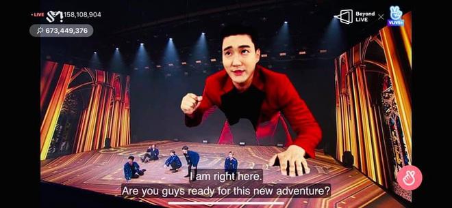 Super Junior làm concert chất đến phát ngất: Hóa phép Siwon to bằng tòa nhà 2 tầng ngay trên sân khấu - ảnh 4