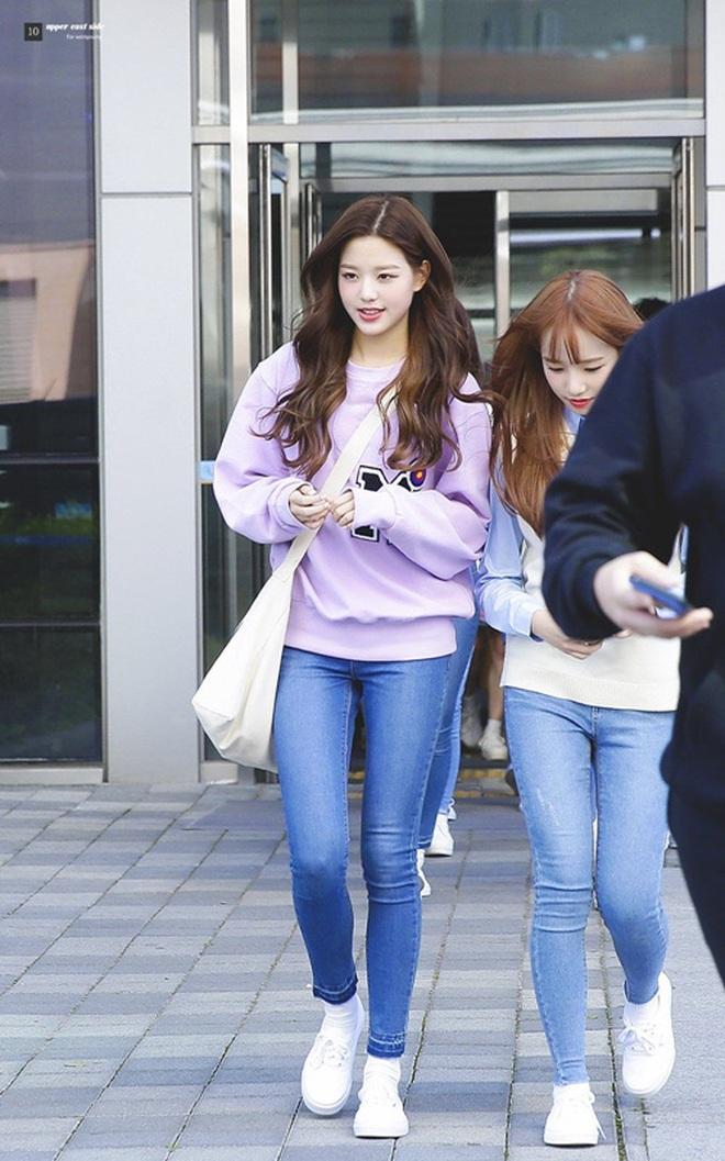 """Cuộc chiến chân dài của """"em gái quốc tế"""" Lisa và """"thủy thủ mặt trăng"""" Jang Won Young: Cùng chân dài đến nách nhưng style lại khác biệt quá đỗi - ảnh 15"""