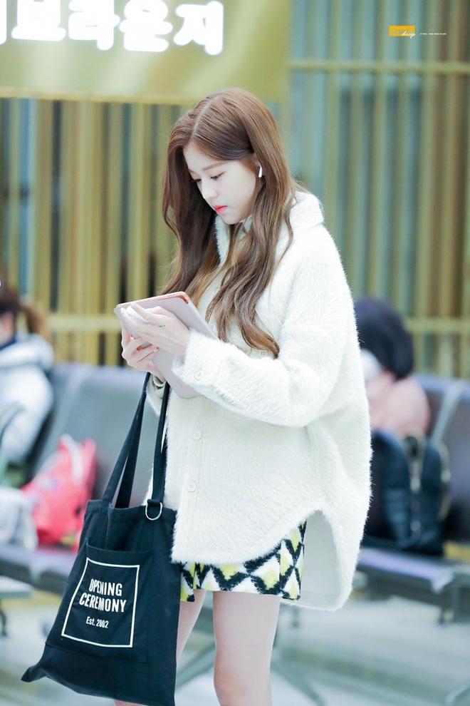 """Cuộc chiến chân dài của """"em gái quốc tế"""" Lisa và """"thủy thủ mặt trăng"""" Jang Won Young: Cùng chân dài đến nách nhưng style lại khác biệt quá đỗi - ảnh 20"""