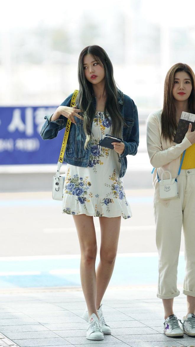 """Cuộc chiến chân dài của """"em gái quốc tế"""" Lisa và """"thủy thủ mặt trăng"""" Jang Won Young: Cùng chân dài đến nách nhưng style lại khác biệt quá đỗi - ảnh 21"""