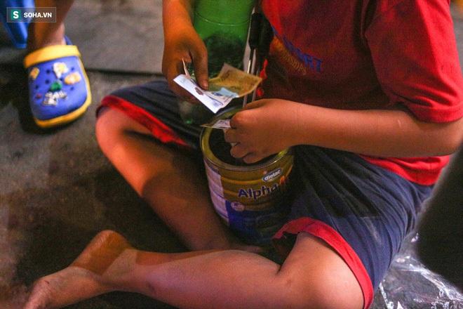 Những đứa trẻ không Tết thiếu nhi, trắng đêm phun lửa mưu sinh ở phố Tây Bùi Viện - ảnh 11