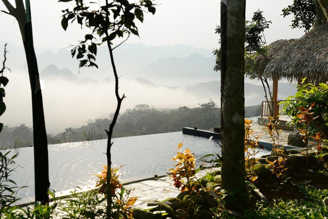 Truy tìm 4 bể bơi vô cực nằm giữa núi rừng: Nơi trú ẩn \'thần tiên\' trong những ngày miền Bắc nóng như đổ lửa - Ảnh 8.