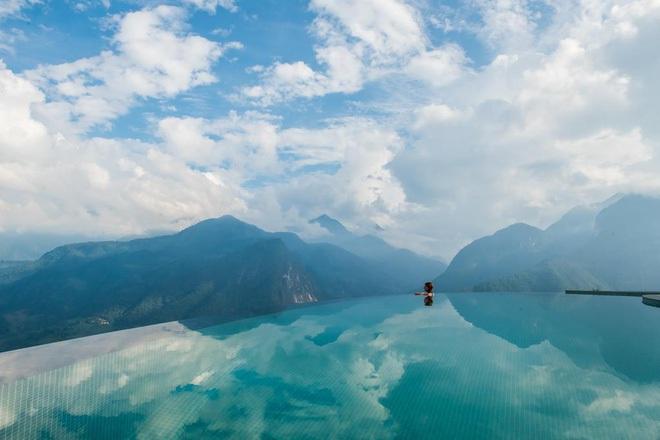 Truy tìm 4 bể bơi vô cực nằm giữa núi rừng: Nơi trú ẩn \'thần tiên\' trong những ngày miền Bắc nóng như đổ lửa - Ảnh 2.