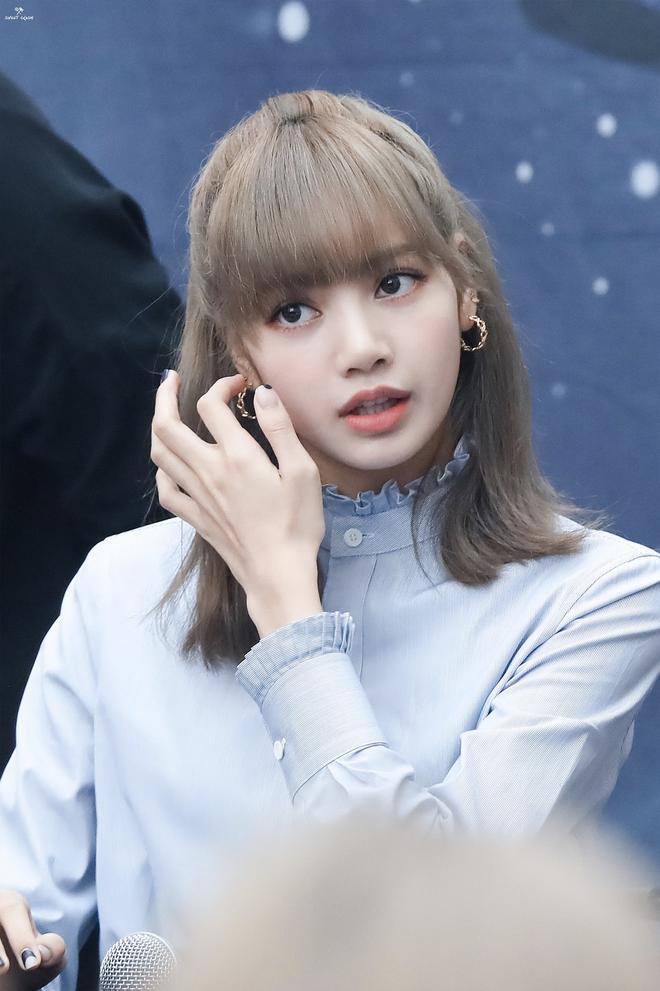 Lisa (BLACKPINK): Từ trainee uất ức, debut vẫn bị lừa 19 tỷ chỉ vì không phải người Hàn đến cú lột xác thành điều kỳ diệu của Kpop - ảnh 26