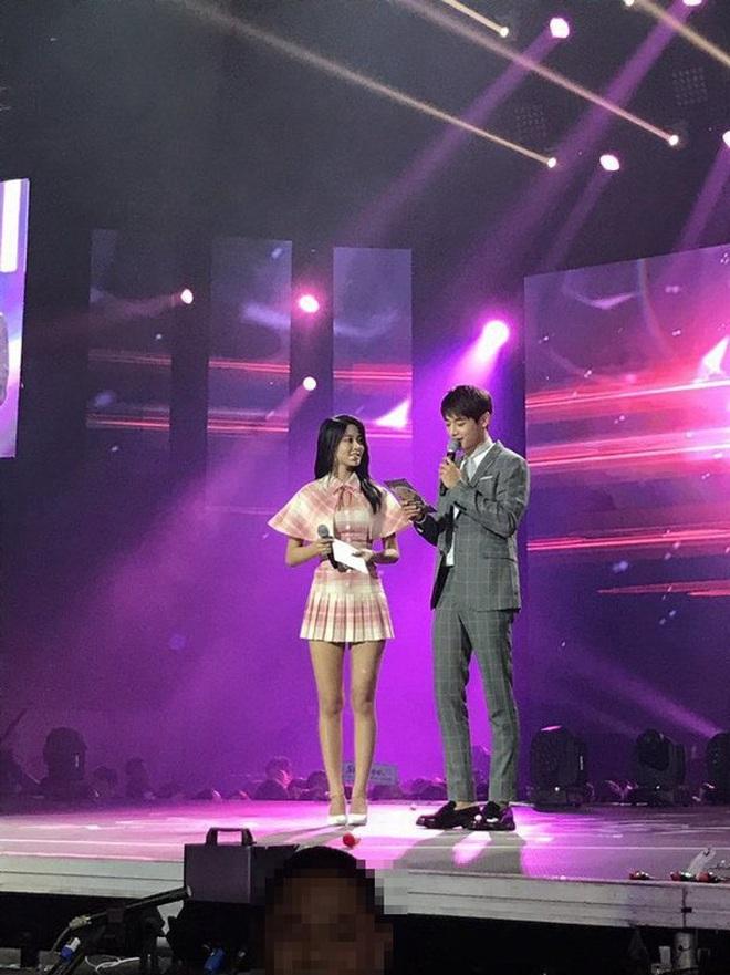 Vẫn biết những sao nữ này chân dài cân mọi outfit nhưng xem ảnh hậu trường vẫn phải sốc, hack não nhất là thánh body Lee Da Hee - ảnh 17